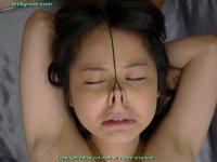 Эротические фото со кончей на лице и во рту молодых шлюх bs008