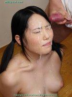 Красивые фотографии со спермаком на лице симпатичных блядей bs012